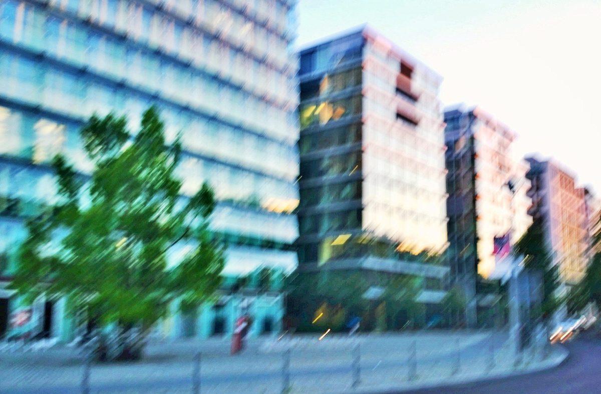 Stromleitungsrechte und Duldungspflichten nach NAV: BGH nimmt Grundstückseigentümer in die Pflicht